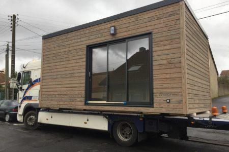 Studio de jardin livraison camion
