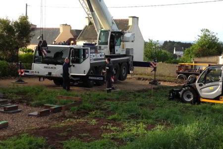 grue 75 tonnes pour poser studios de jardin Woodyloft