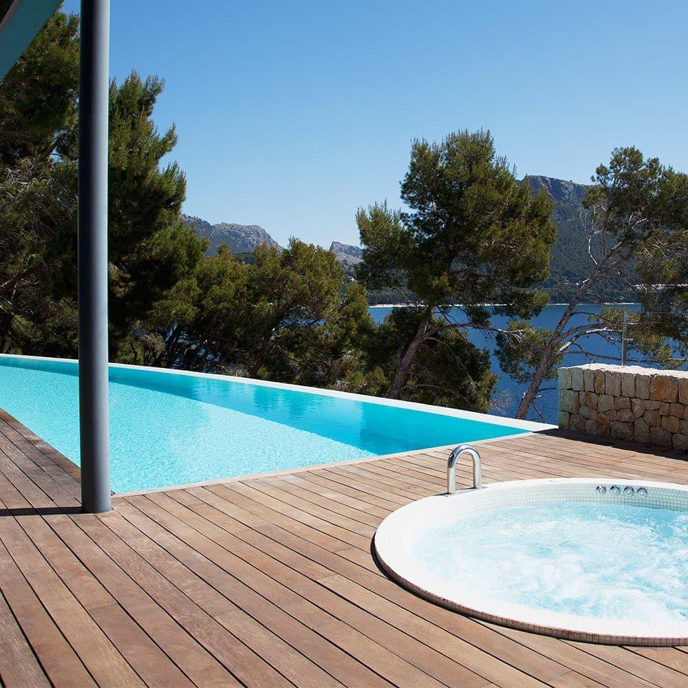Pourquoi opter pour une terrasse en bois exotique ?